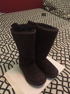AUTHORITIES  UGG TALL BOOTS / size1 Girls JACKET NOT INCLUDED
