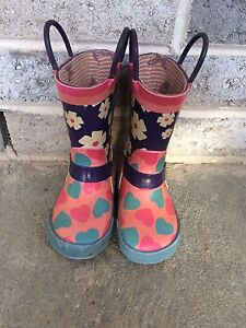 Girls size 6 rubber boots