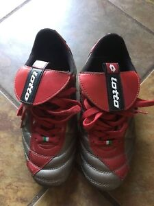 Italian Lotto soccer cleats youth size 5