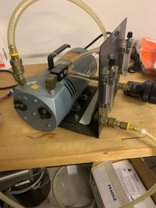 Gast Rotary Vane Oil Less Vacuum Pressure Pump 1/4 HP, 0523-540Q - Q314DX CLEAN!