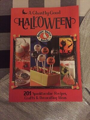 Gooseberry Patch Halloween (Gooseberry Patch A Ghastly-Good Halloween by Gooseberry Patch Book Softcover)