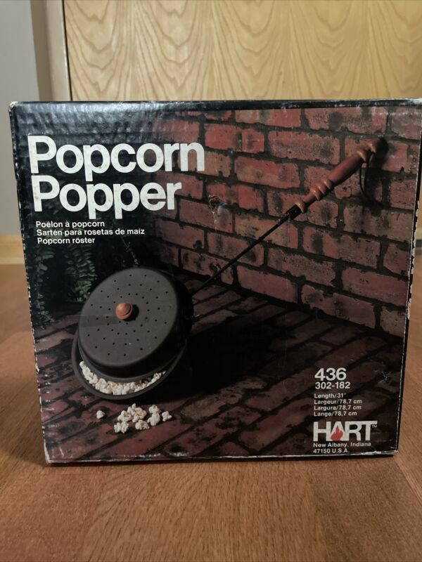 VTG SEALED Hart Popcorn Popper Campfire Wooden Handle #436 302-182 Black Metal
