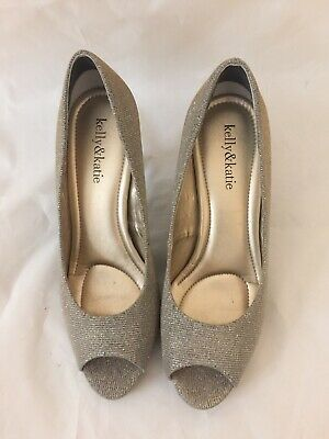 Kelly & katie Womens Shoes Silver Color Size 7 1/2 Heel 3