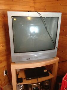 32 inch Sanyo with remote