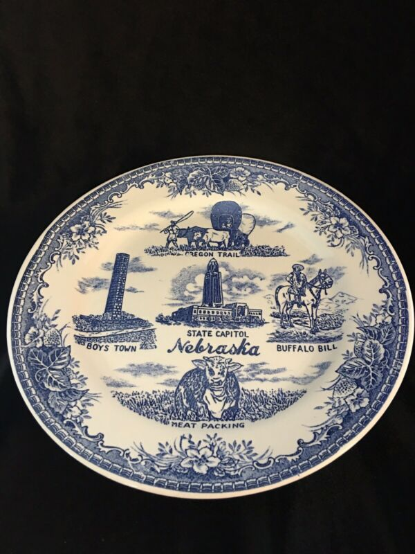vintage NEBRASKA Souvenir Collector PLATE blue, white Oregon Trail, Buffalo Bill