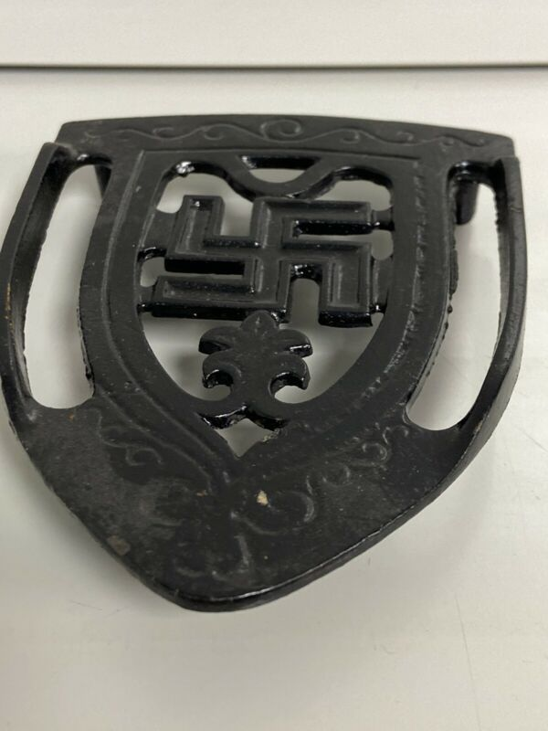 Antique 1920s Whirling Log Good Luck Swastika Iron Footed Trivet 76-3/c