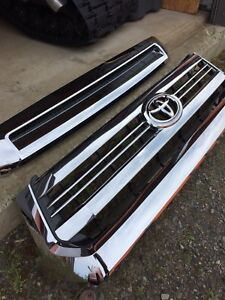 NEW Toyota Tundra chrome grille
