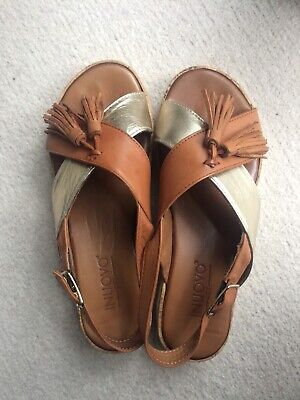 sandals  inuovo 3.5  used gold and brown 35 Europe size