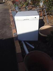 dish washer Oxenford Gold Coast North Preview