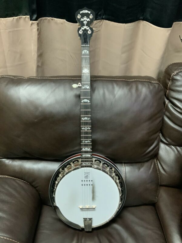 Deering Eagle II Acoustic/Electric 5 String Banjo