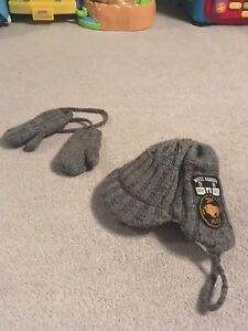 Mexx knit hat and mittens