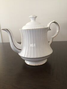 Royal Windsor vintage fine bone China teapot