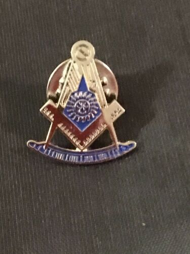Past Master Lapel Tac Pin Cut Out Square Compass Silver Blue Fraternity  NEW!