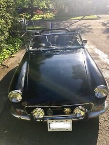 Reduced to sell: Impressive '72 MGB in great condition