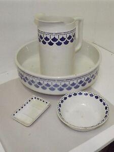 Ancien set de toilette sarguemines digoin bassine broc for Set porte savon