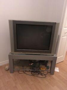 Télévision et meuble