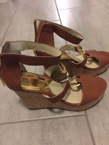 MK New brown wedges