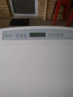 Fisher & Paykel 8kg Top Load Washer, 3 years old, great condition