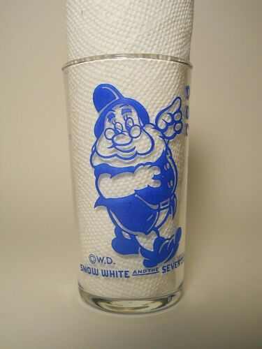 Vintage 1938 Snow White and The Seven Dwarfs DOC Drinking Glass