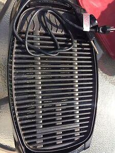 Indoor/outdoor electric grill
