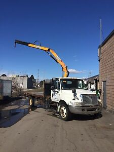 2007 International 4200 Auto 16' Flat Bed Effer Crane Truck
