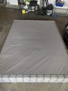 Free Queen boxspring