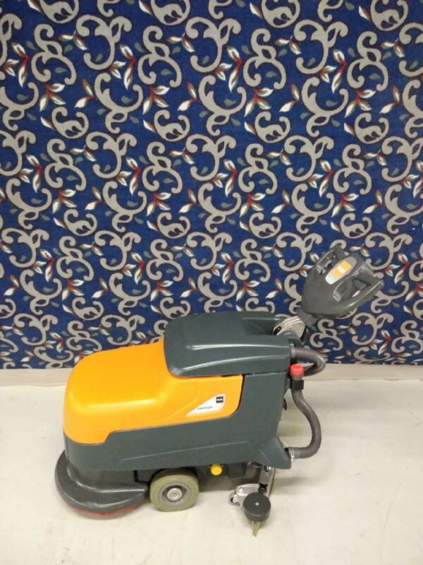 """Taski Swingo 17"""" floor scrubber 2016 model with batteries and FREE shipping!"""