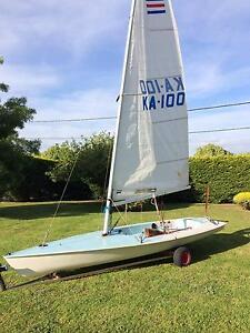 Contender sailing dinghy Cowes Bass Coast Preview