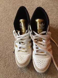 Adidas women's shoes size 6