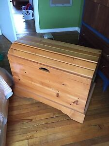 Solid Wood Hope Chest Blanket Box Trunk!