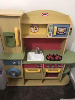 Little tikes kitchen like new