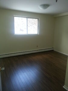 LOVELY 1 BDRM UNIT  DARTMOUTH WATERFRONT OCTOBER 1