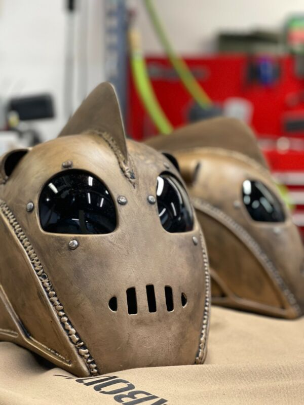 Rocketeer Helmet w/ Stand and Helmet Liner
