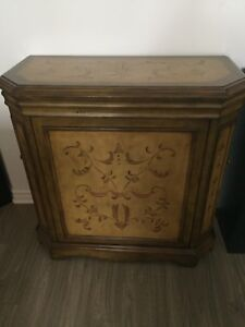 Armoire, commode, meuble d'accent