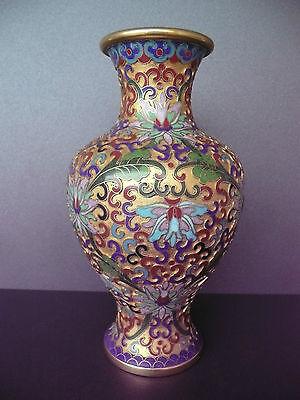 Sehr schöne bemalte Vase mit Blumendekor Cloisonne