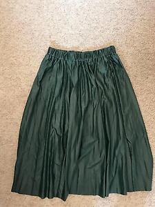 Dark green skirt Eight Mile Plains Brisbane South West Preview
