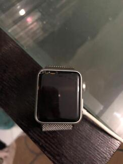 Apple Watch cracked screen