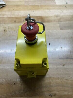 Moeller Keyed Emergency E Stop Switch 22mm E K01 Nc Contact