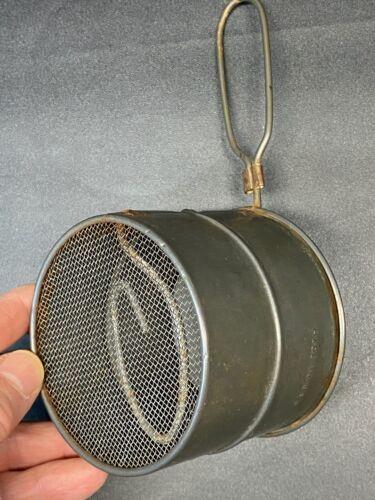 Vintage PRIMITIVE FLOUR SIFTER HANDHELD  2 CUP TIN