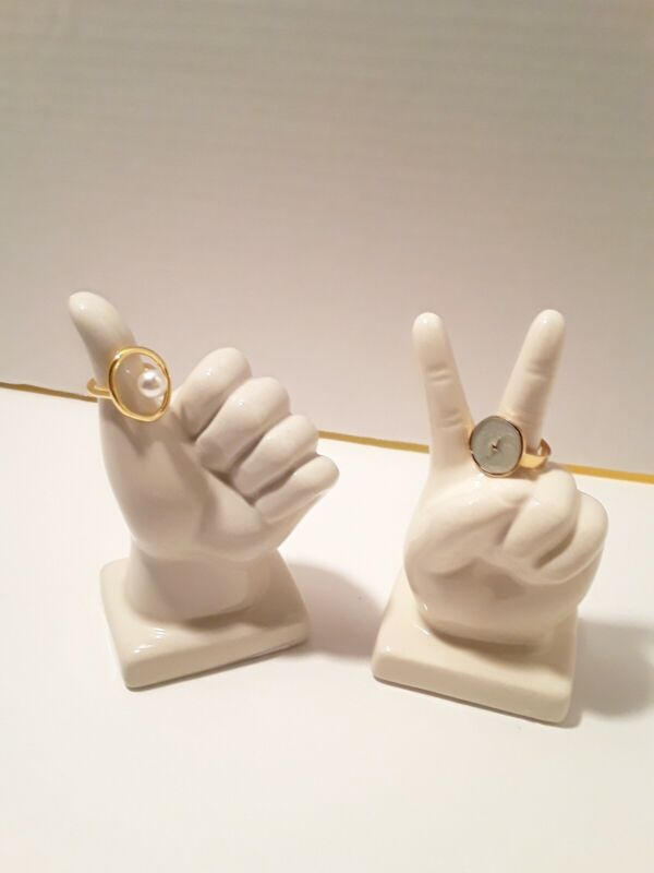 Ceramic Hand Gestures Ring Holder Decor (Peace Sign or Thumbs Up)