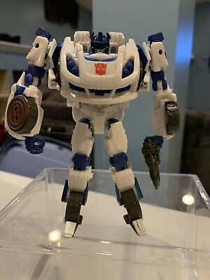 HASBRO TRANSFORMERS AUTOBOT JAZZ GENERATIONS FALL OF CYBERTRON SERIES DELUXE