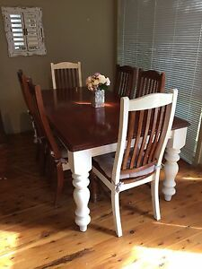 Dinning table and chairs Gilgandra Gilgandra Area Preview