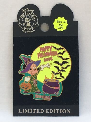 DLR Disney Parks Halloween 2005 Minnie Mouse Witch Moon Bats Glow in Dark Pin LE