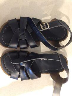 Girls Navy Saltwater Sandals
