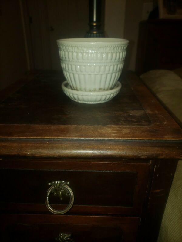 "Vtg McCoy USA Beaded White Cream 4"" Flower Pot Planter w attached saucer"