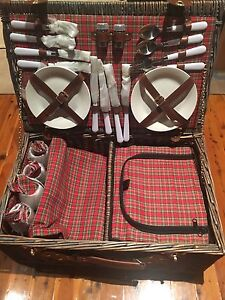 4 person picnic basket - BRAND NEW Riverstone Blacktown Area Preview