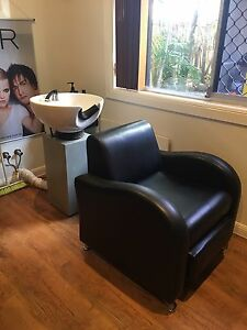 Hairdressing basin & reclining chair Burleigh Waters Gold Coast South Preview