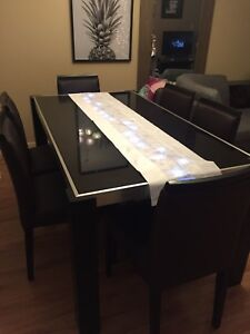 Modern dinning table set