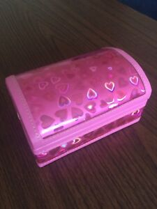 Small pink jewellery case