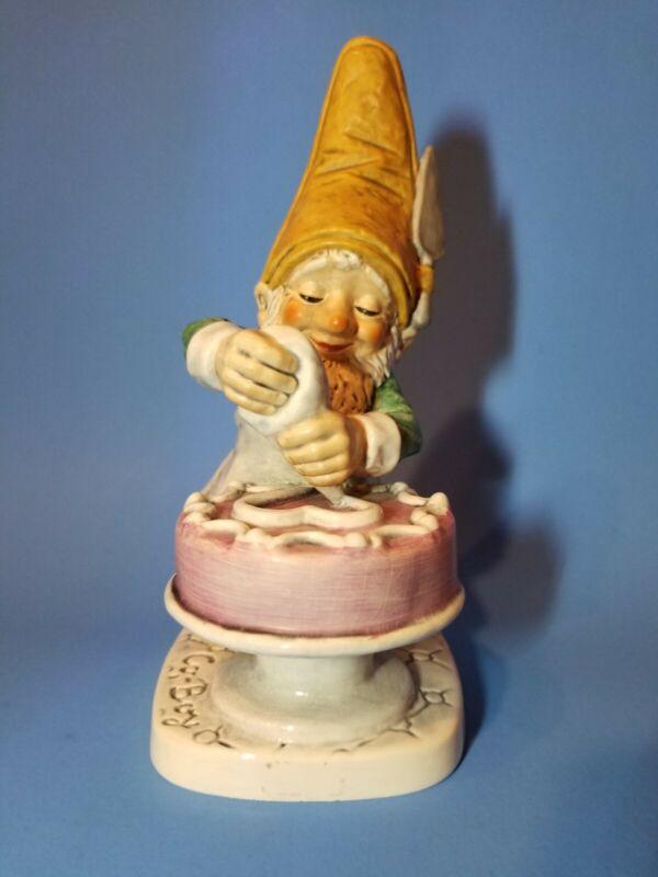 Vintage 1972 Goebel Boy Gnome Candy The Confectioner Cake Baker Well 523, elf